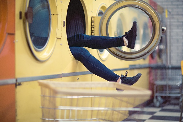 nohy v pračce